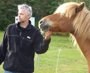 Lederudvikling med heste. Leder fra Coop Trading sammen med Bragi